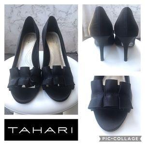 NWOT Tahari Heels